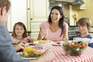 Read more about the article How to Teach Toddlers Healthy Eating Habits